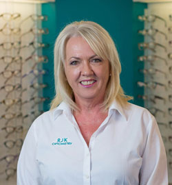 Jenny-Davis-RJK-Optical-Coffs-Harbour-Reception-and-Optical-Assistant